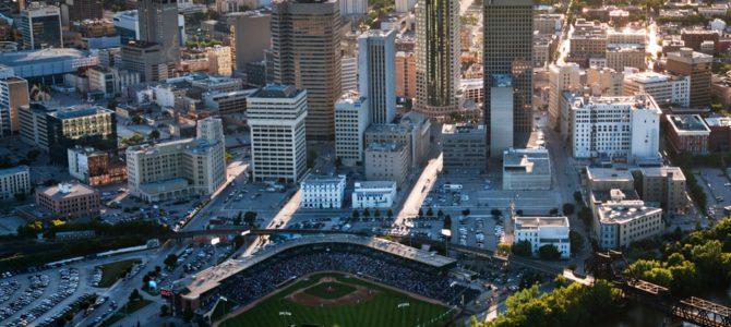 Découvrez Winnipeg, la capitale et la plus grande ville au Manitoba, un important centre dans les Prairies canadiennes.